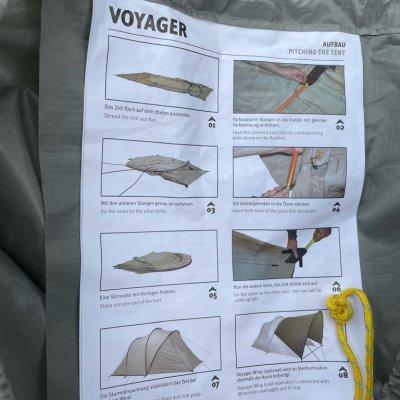 Die Anleitung ist am Packsack befestigt
