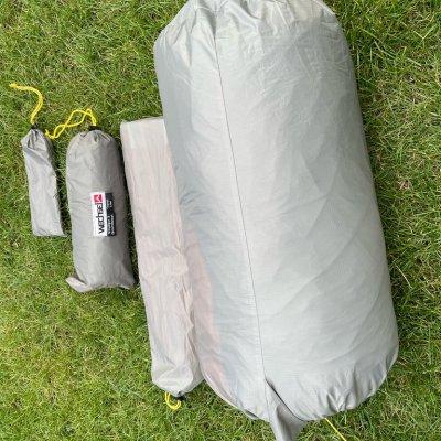 Heringe, Bodenplane, Gestänge und eigentliches Zelt